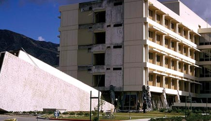 olive view medical center pulled away from the main building and the first floor buckled during the 1971 san fernando earthquake killing four people